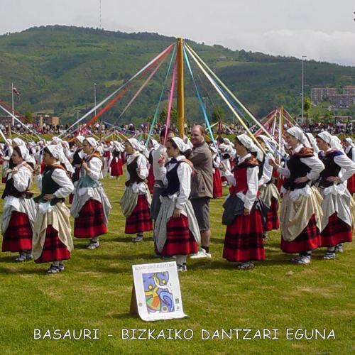 1_DANTZARI-EGUNA-BASAURI-1